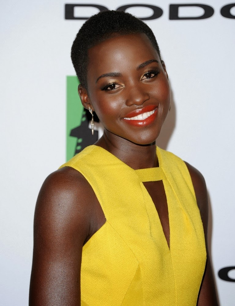 Lupita+Nyong+o+Arrivals+Hollywood+Film+Awards+-G0U7TkVTcux