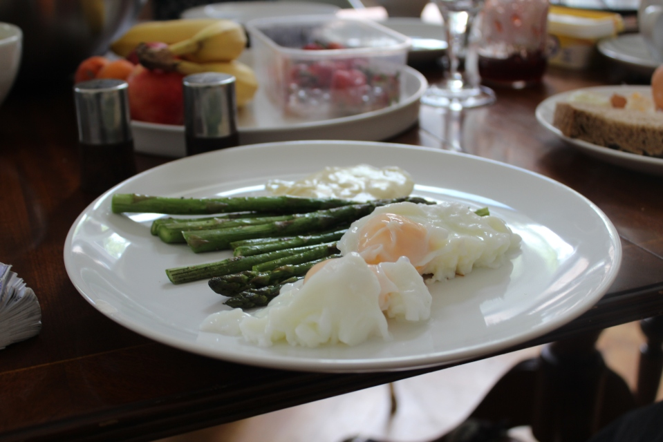 Poached eggs and asparagus - yum!
