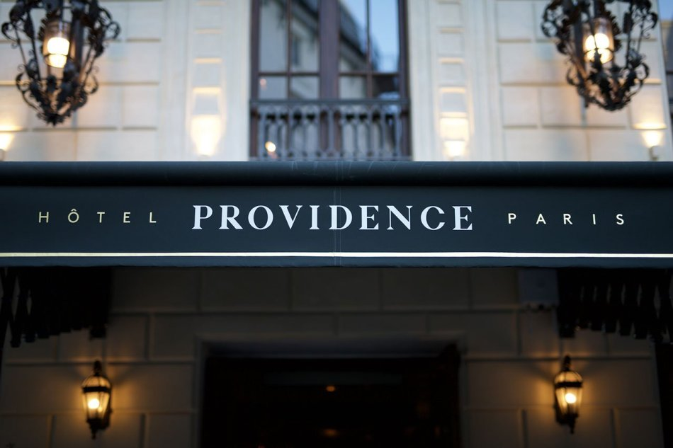 f1_hotel_providence_paris_photo_benoit_linero_facade_yatzer